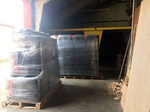ready2climb:two pallets of bouldering mats