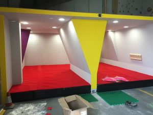 ready2climb: a bouldering area with mats fitted